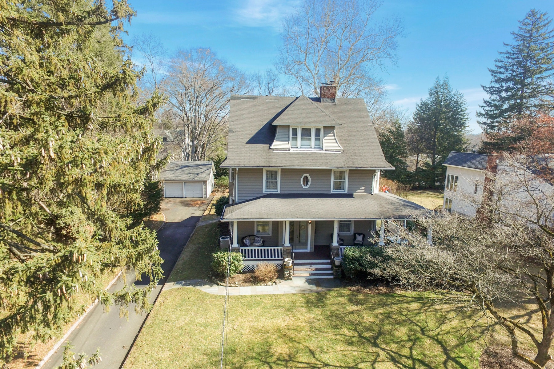 Single Family Home for Sale at Beautiful Colonial in Historic Prospect Park 39 Forest Road, Glen Rock, New Jersey 07452 United States