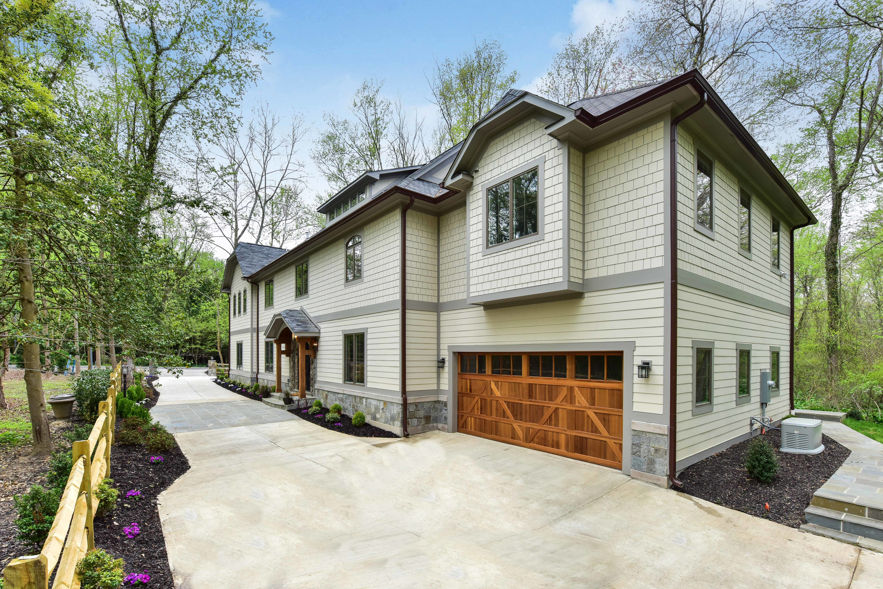 Maison unifamiliale pour l Vente à Langley Forest 6828 Sorrel St McLean, Virginia, 22101 États-Unis