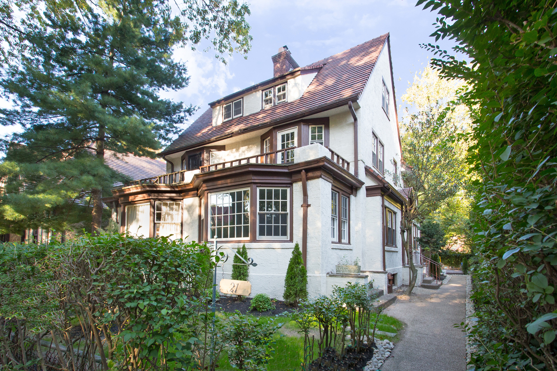 """Single Family Homes for Sale at """"PARK VIEW TOWNHOUSE"""" 21 Borage Place, Forest Hills Gardens, Queens, New York 11375 United States"""