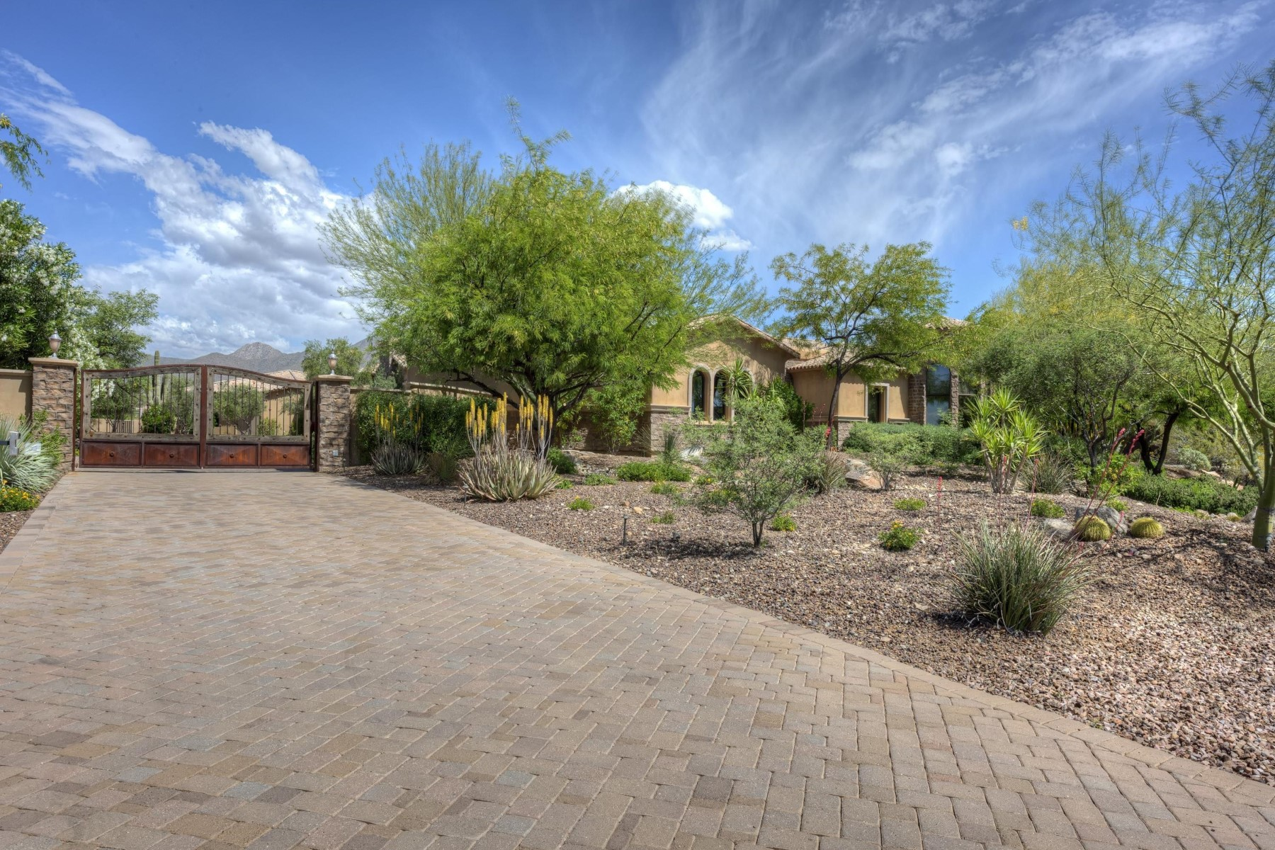 Single Family Home for Sale at True custom built luxury home in scottsdale 12686 E Gold Dust Ave Scottsdale, Arizona, 85259 United States