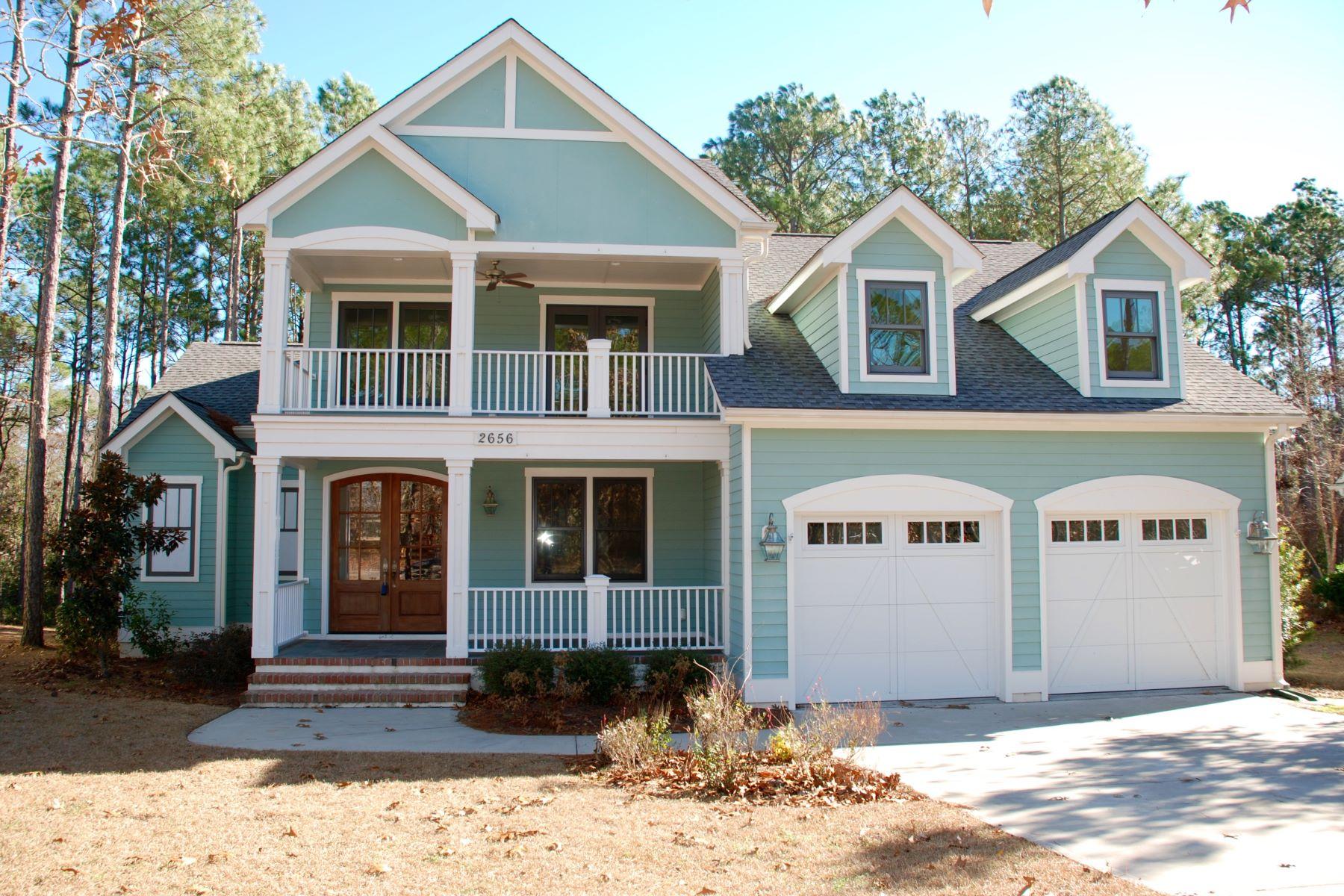 Casa Unifamiliar por un Venta en Custom home with numerous upgrades & designer finishes 2656 Park Ridge Drive Southport, Carolina Del Norte 28461 Estados Unidos