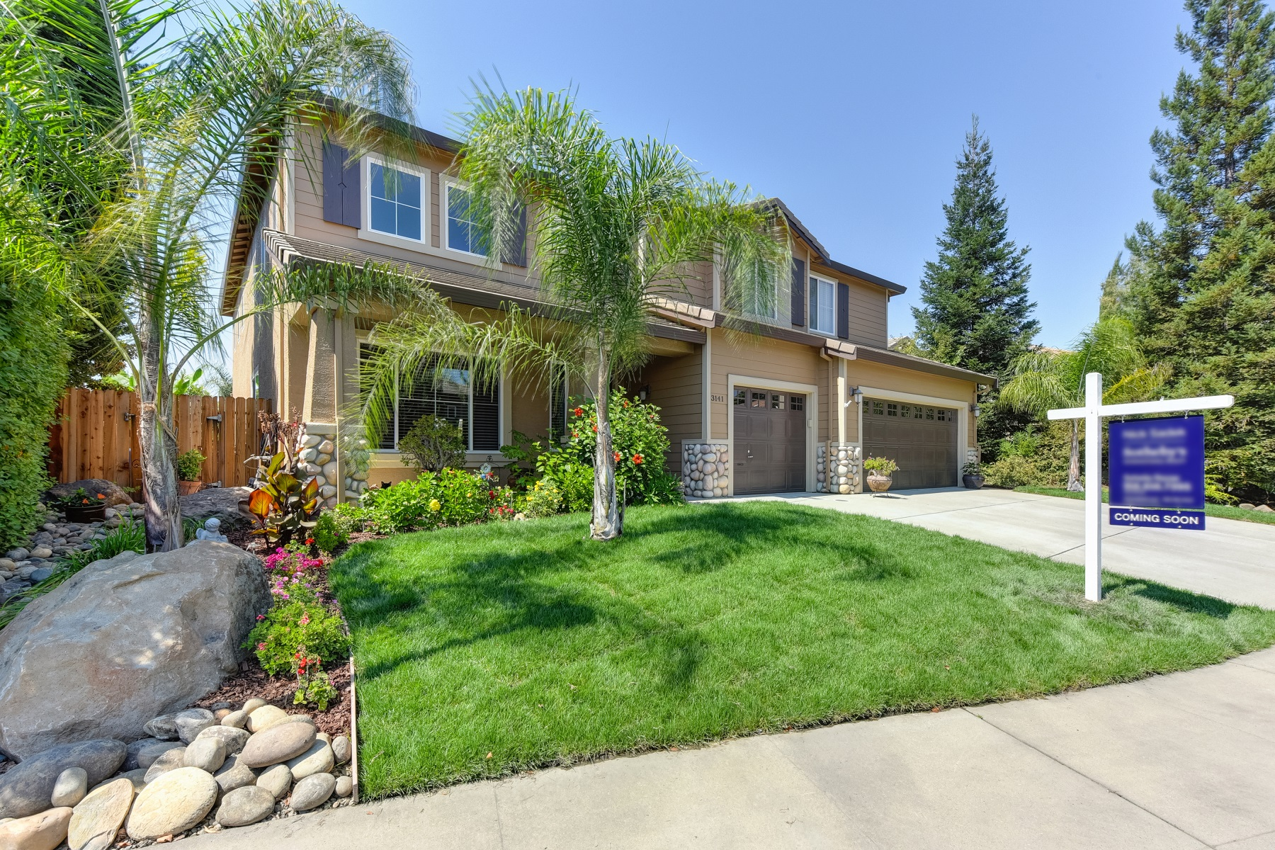 Single Family Home for Active at 3141 Mount Tamalpais Drive, Roseville CA 95747 3141 Mount Tamalpais Drive Roseville, California 95747 United States