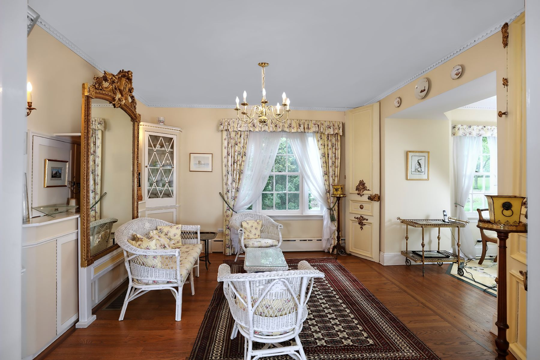 Additional photo for property listing at Western Section Beauty Pairs Classic with Dynamic 61 Westcott Road, Princeton, New Jersey 08540 United States