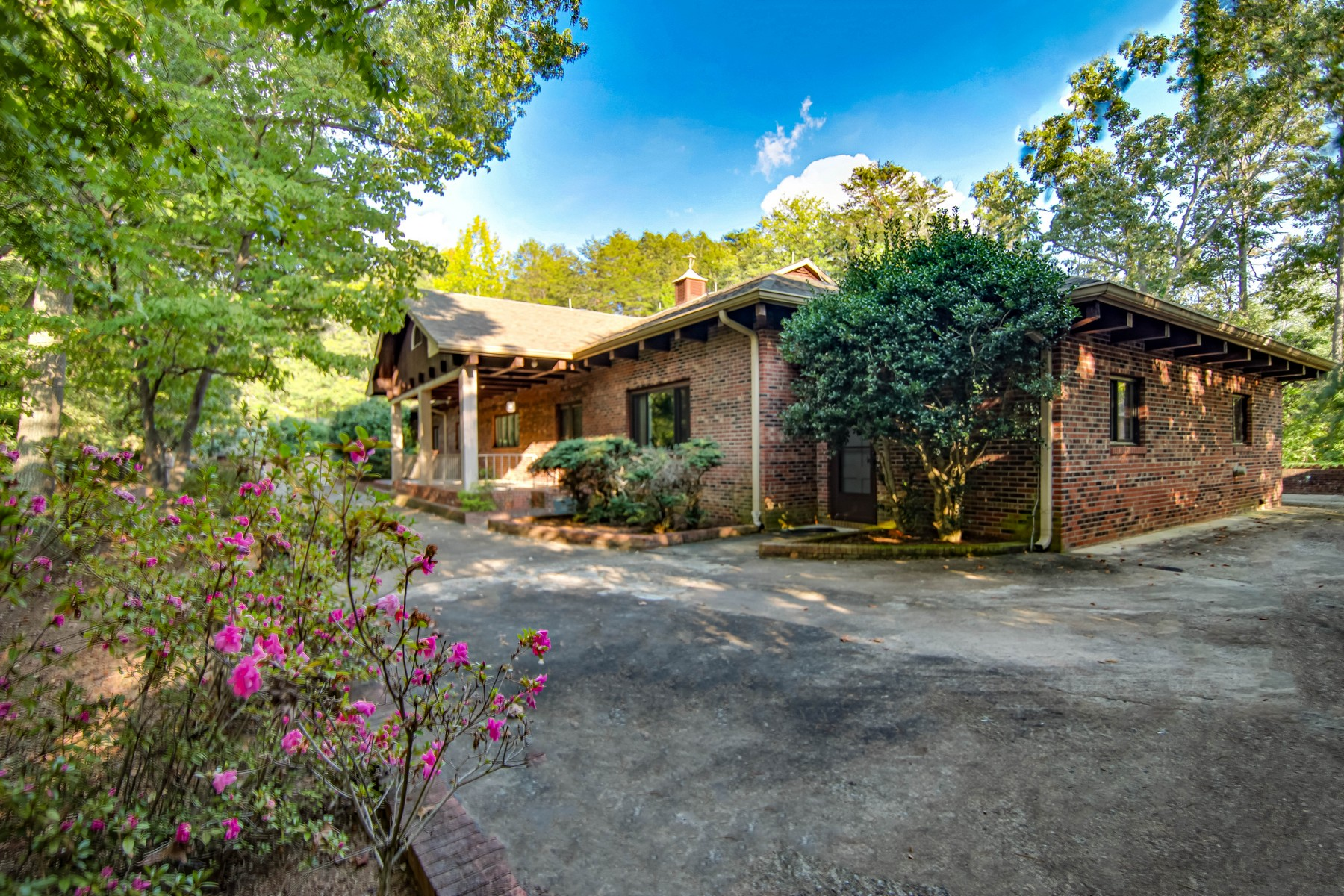 Single Family Homes for Sale at 152 Muscadine Ridge, Rutherfordton, NC 152 Muscadine Ridge Rutherfordton, North Carolina 28139 United States