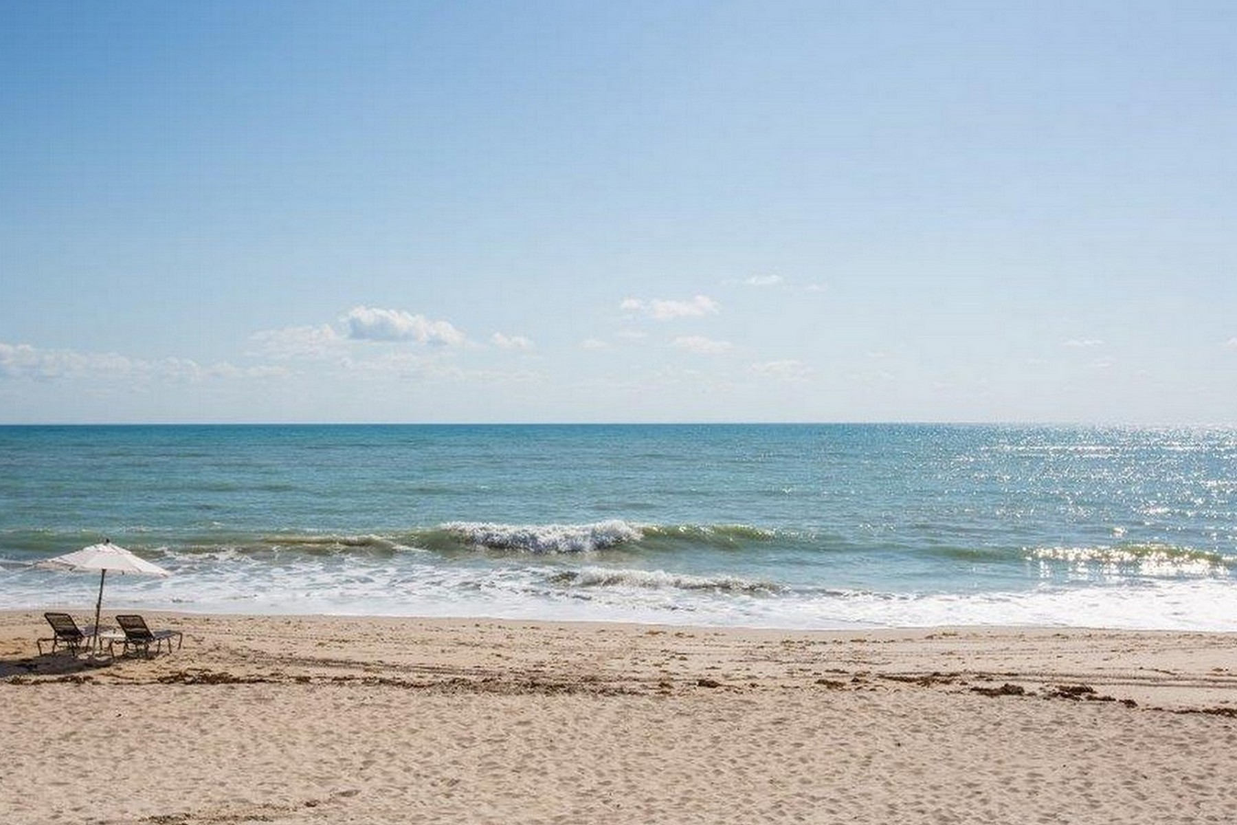 Additional photo for property listing at Vero Beach Condo Hotel 3500 Ocean Drive #105 Vero Beach, Florida 32963 United States