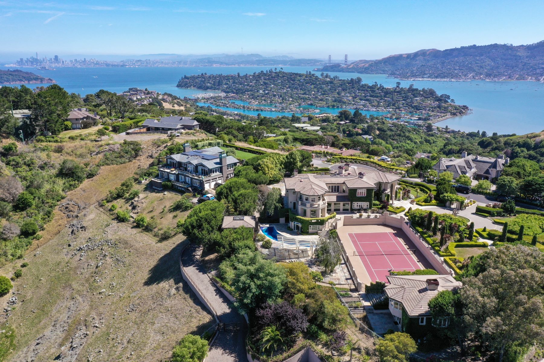 Single Family Homes for Sale at Spectacular Prime Estate 185 Gilmartin Drive, Tiburon, California 94920 United States