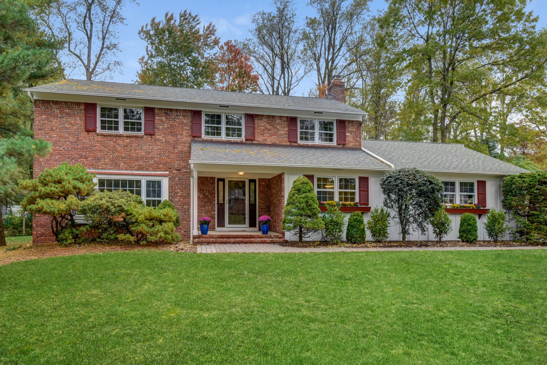Single Family Homes for Sale at Pride Of Ownership 43 Woodwild Way Berkeley Heights, New Jersey 07922 United States