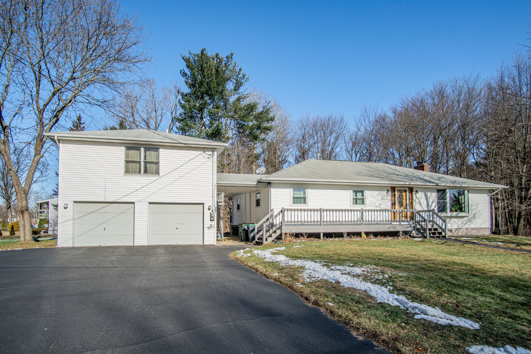 Single Family Homes for Active at Move-in Ranch & In-law in Clifton Park 2800 Hayner Heights Halfmoon, New York 12065 United States