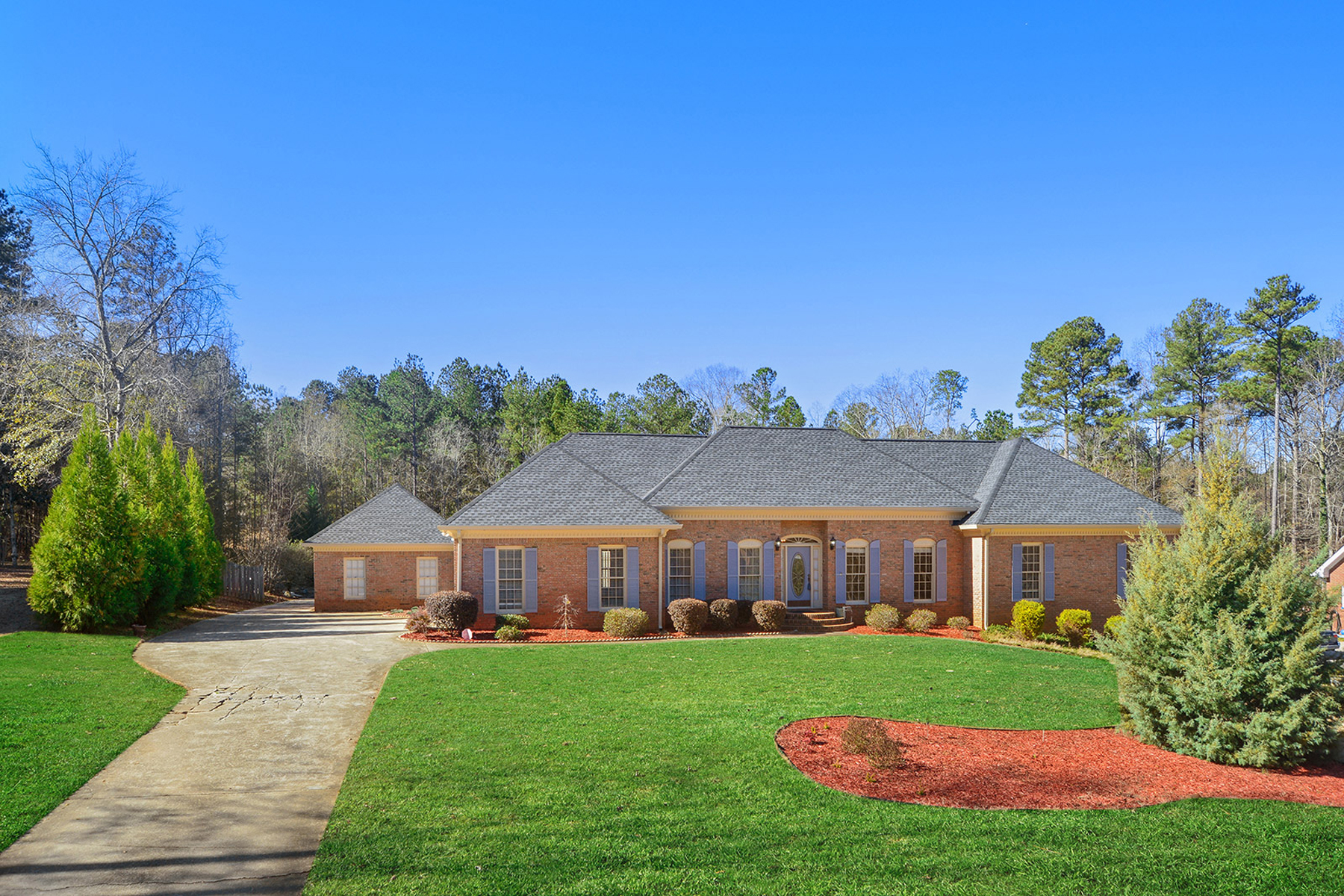 Single Family Home for Sale at Workshop for Hobbies! 165 Lang Drive Fayetteville, Georgia 30214 United States