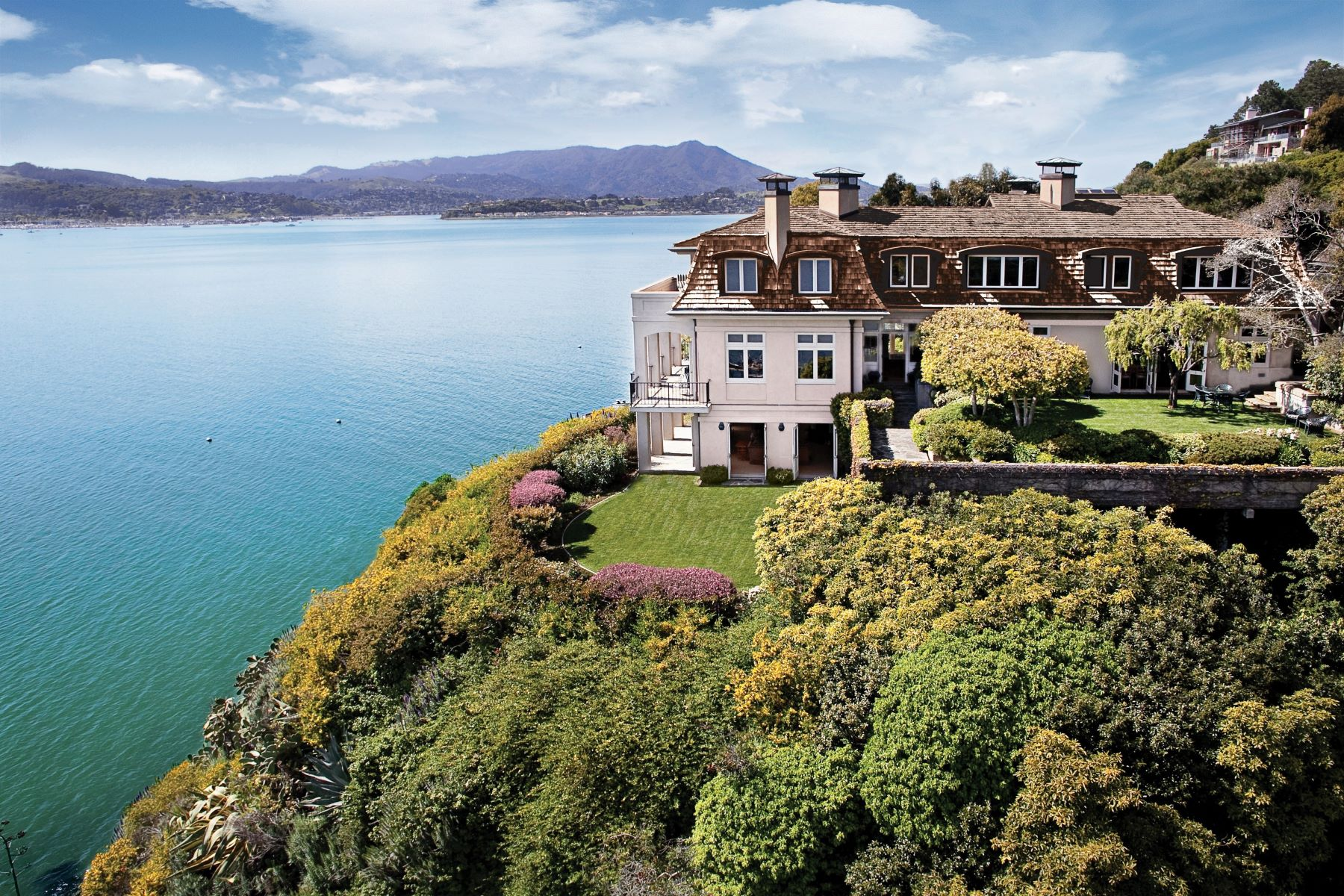 Single Family Homes por un Venta en Timeless Elegance 101 Belvedere Ave Belvedere, California 94920 Estados Unidos