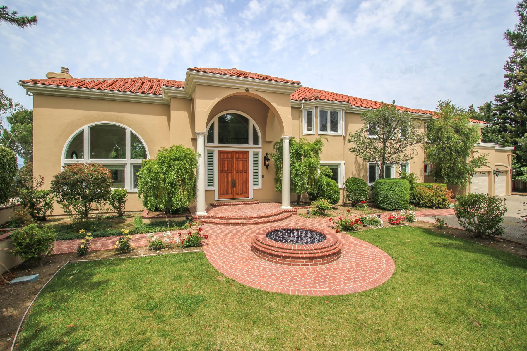 Single Family Homes for Sale at Stunning Mediterranean Estate 75 Eugenia Way Hillsborough, California 94010 United States