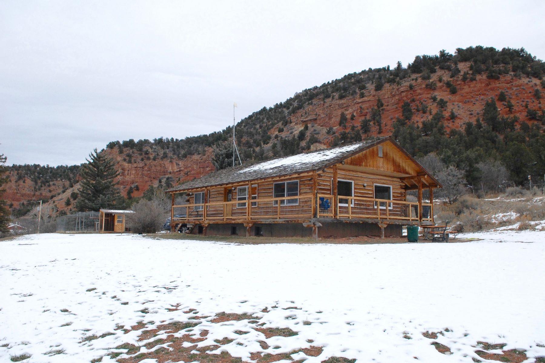 Vivienda unifamiliar por un Venta en Log Home Close to Meeker 8617 Rio Blanco County Road 8, Meeker, Colorado, 81641 Estados Unidos