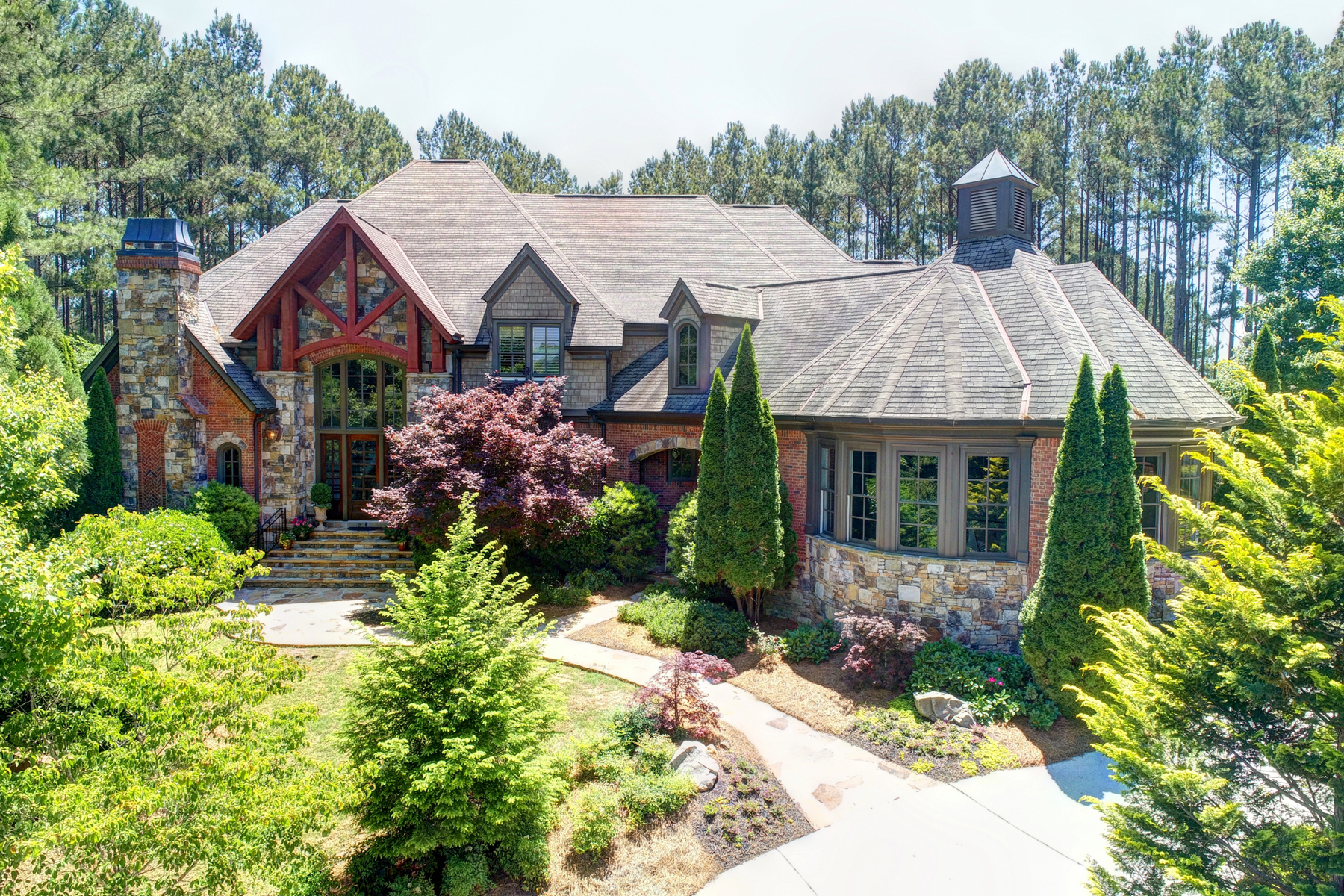 Single Family Homes のために 売買 アット Your Own Private Sanctuary 892 Little Lost Landing, Suwanee, ジョージア 30024 アメリカ