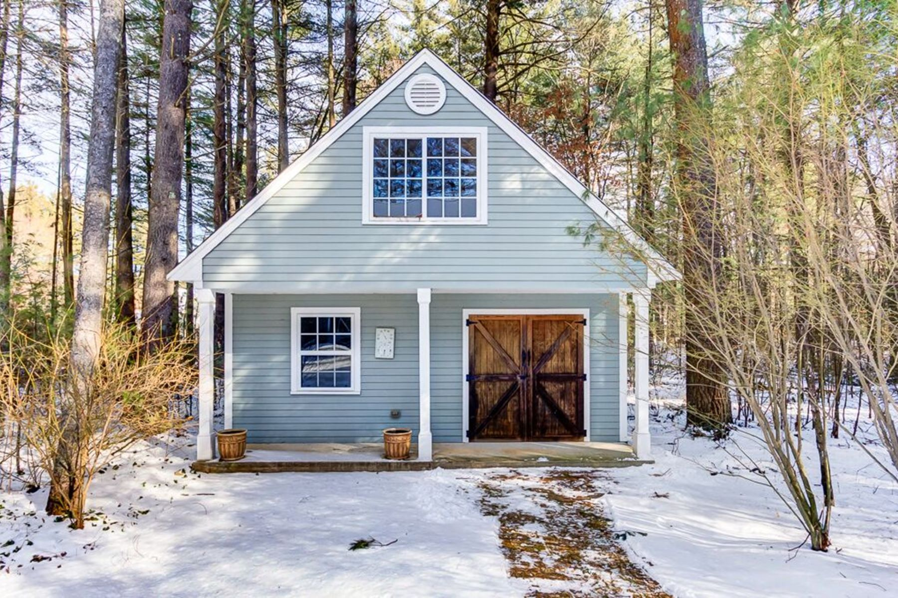 Additional photo for property listing at Gorgeous Colonial near Goss Pond 6 Green Lane Upton, Massachusetts 01568 United States