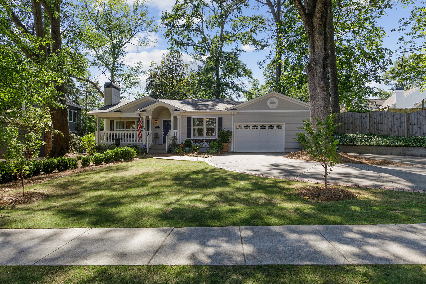 Single Family Homes for Sale at BROOKHAVEN BUNGALOW 2370 Colonial Drive Brookhaven, Georgia 30319 United States
