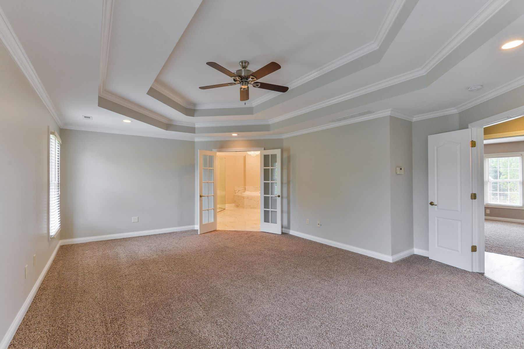 Additional photo for property listing at 3425 Lafittes Cove 3425 Lafittes Cove Floyds Knobs, Indiana 47119 United States