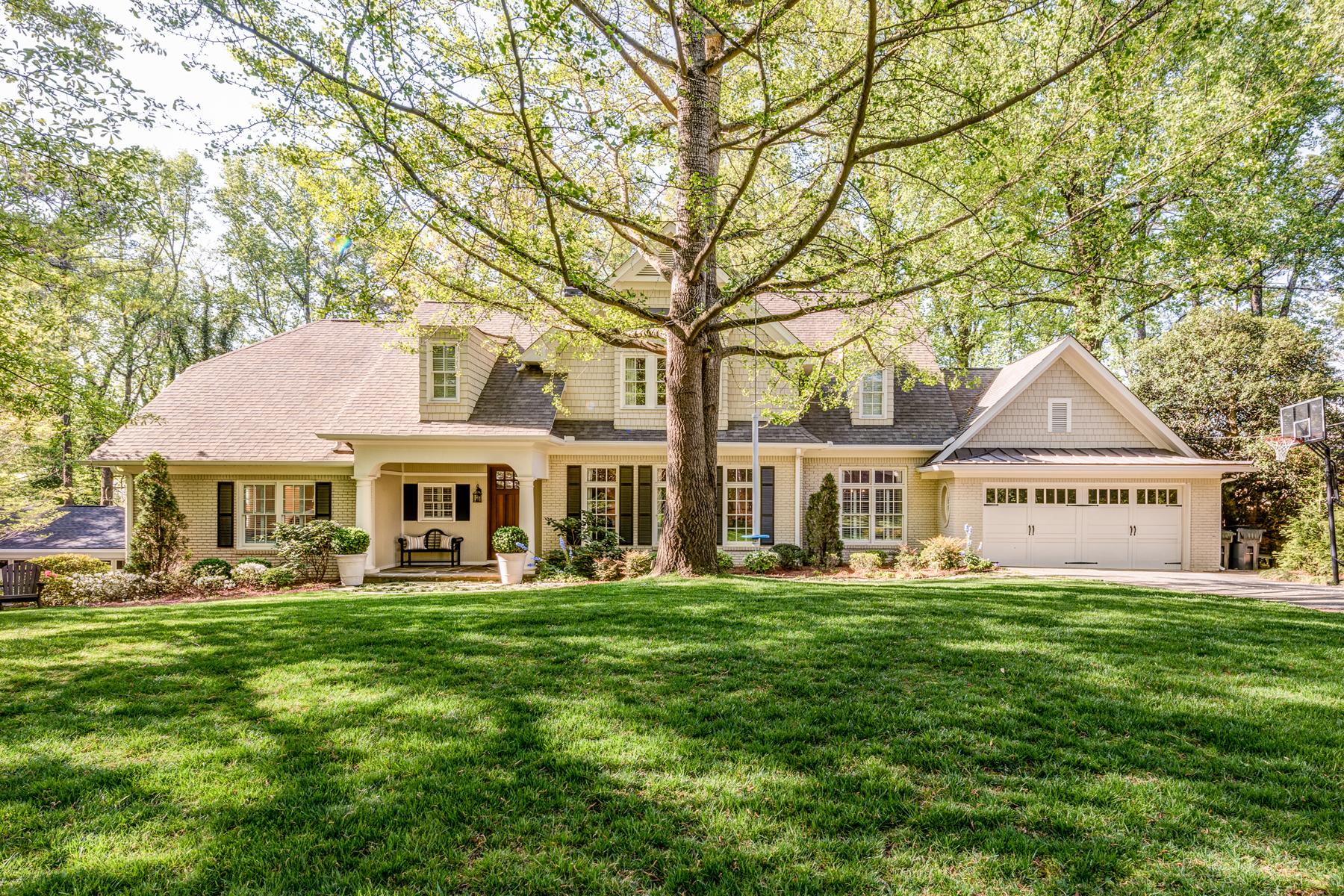 Einfamilienhaus für Verkauf beim Gorgeous Renovation 375 Montevallo Drive Sandy Springs, Georgia, 30342 Vereinigte Staaten