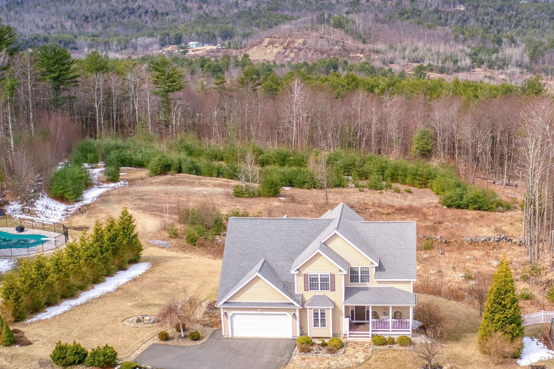 Single Family Homes for Sale at Major Long Range Views of Southern NH Mtns 32 Hutchinson Lane New Boston, New Hampshire 03070 United States