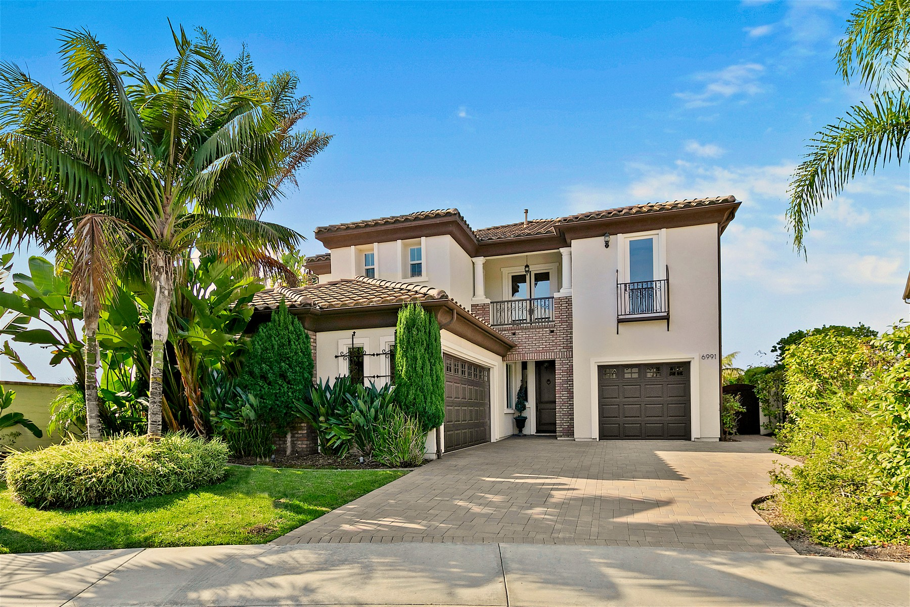 Single Family Homes for Sale at 6991 Bixbite Place Carlsbad, California 92009 United States