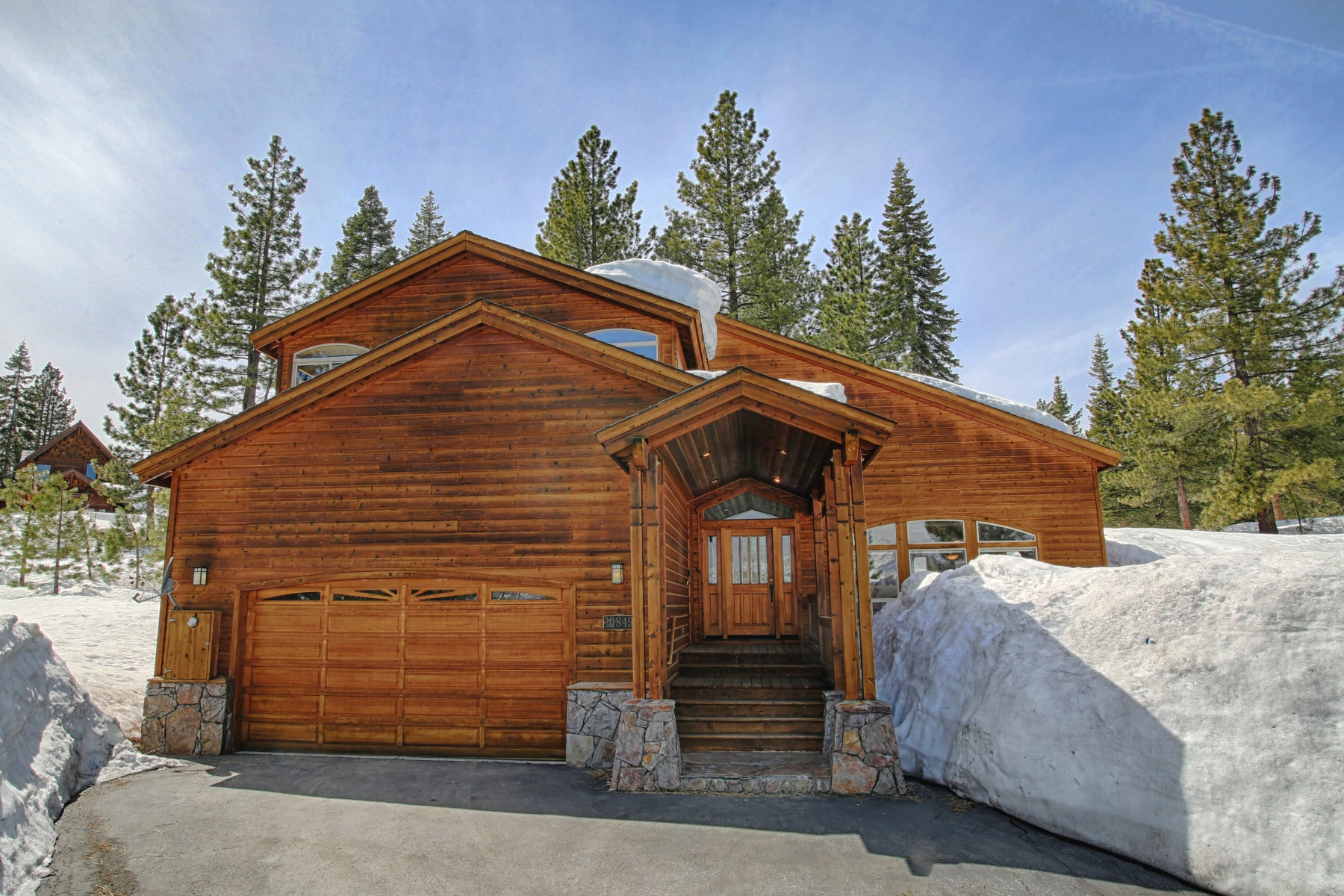 Single Family Home for Active at 10849 Mougle Lane, Truckee, California 96161 Truckee, California 96161 United States
