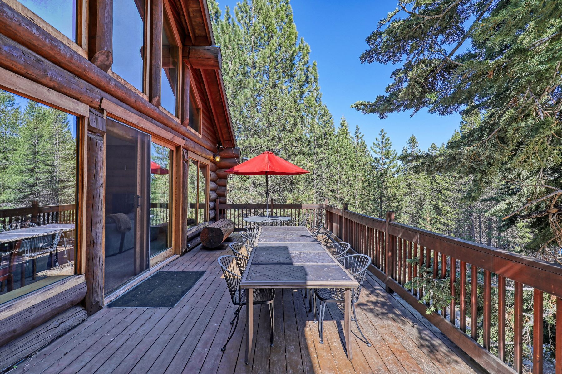 Additional photo for property listing at Nestled among the trees in the coveted Wolfe Estates 16153 Wolfe Drive Truckee, California 96161 United States