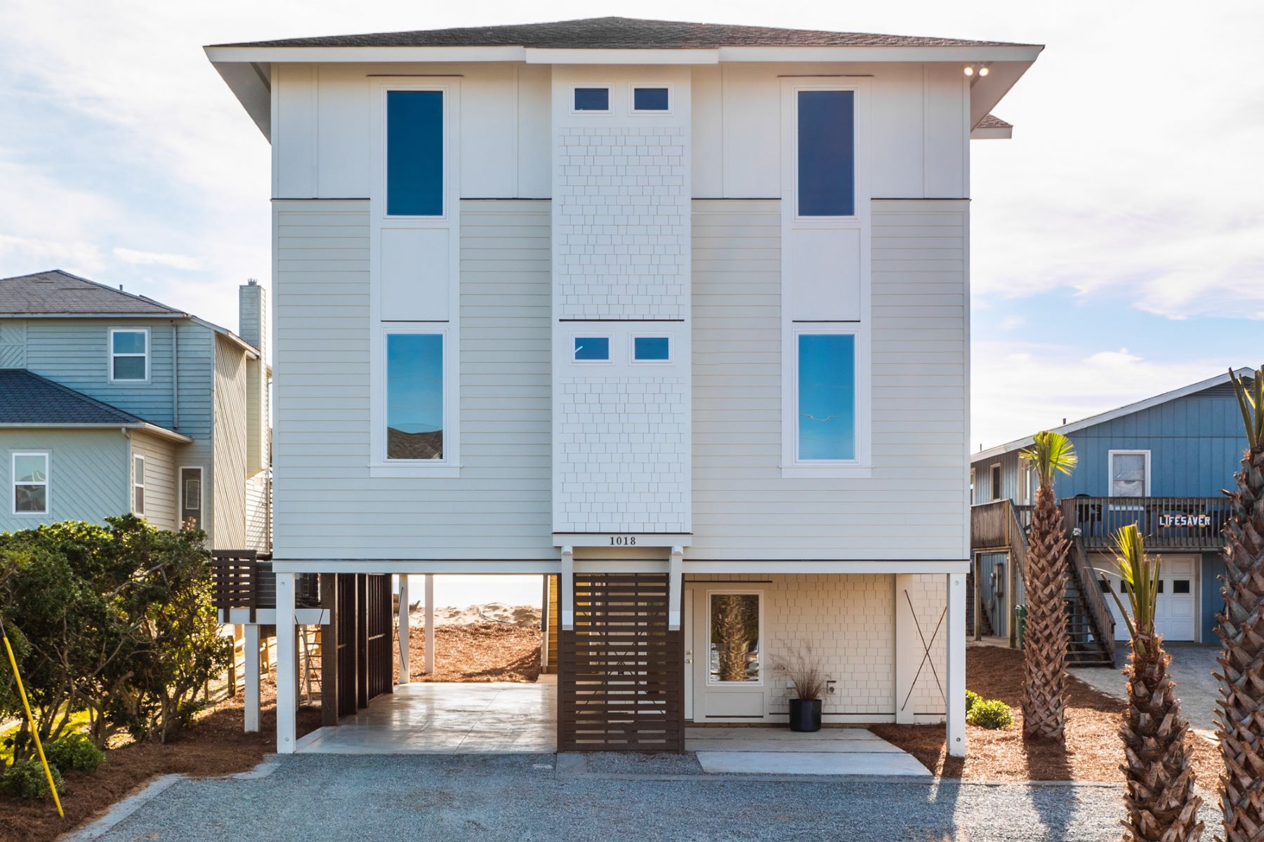 Single Family Home for Active at Stunning New Construction Oceanfront Home 1018 S Shore Drive Surf City, North Carolina 28445 United States