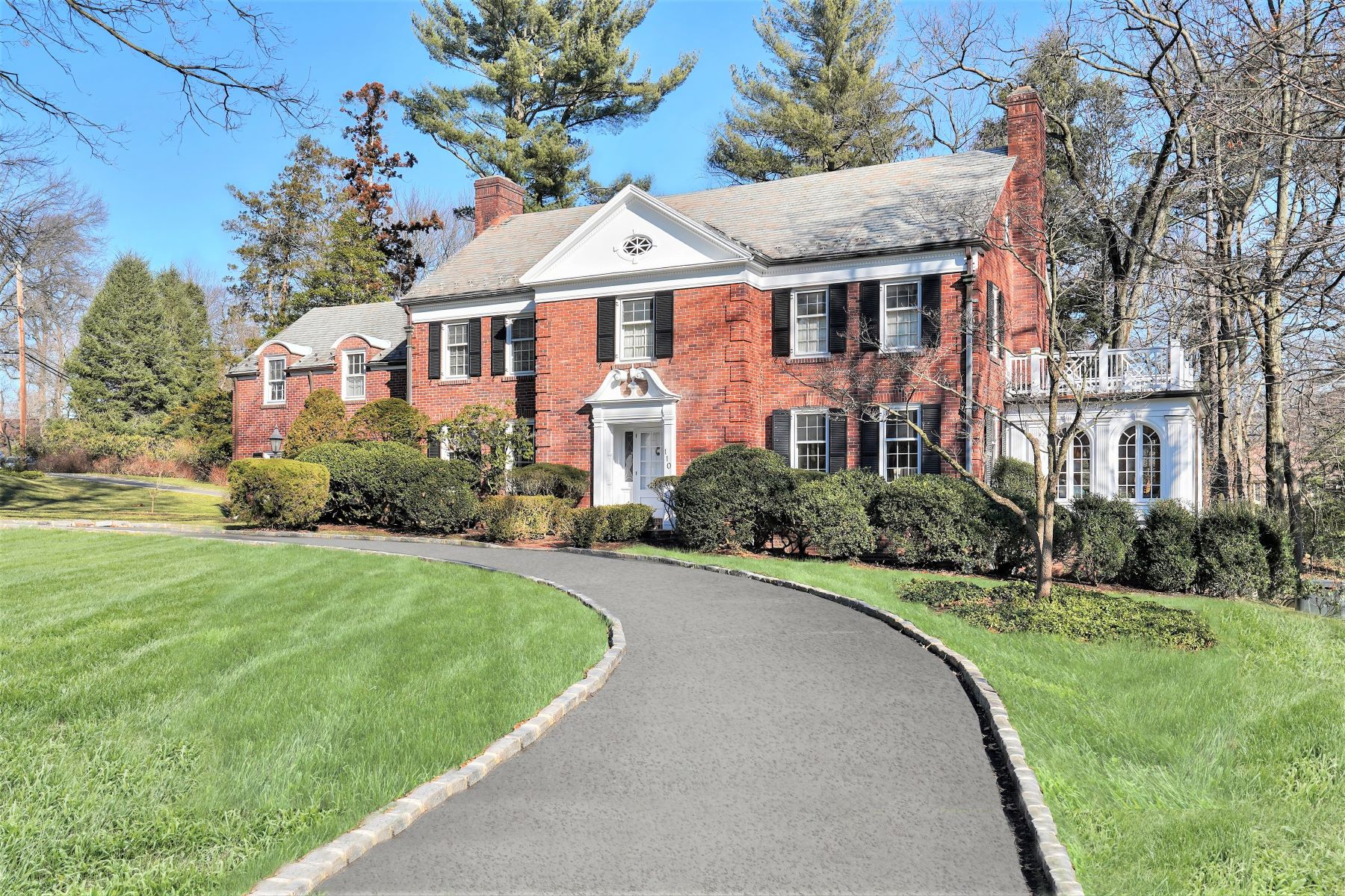 Single Family Homes for Sale at Classic Colonial 110 Highland Avenue, Short Hills, New Jersey 07078 United States