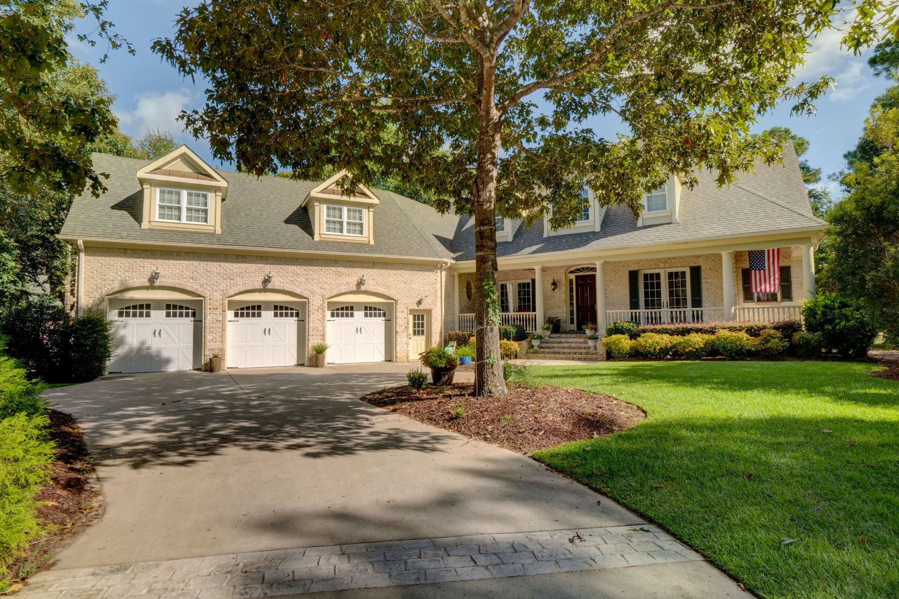 Single Family Homes for Active at Magnificent Custom-Built Masterpiece 476 Deep Water Drive SE Bolivia, North Carolina 28461 United States