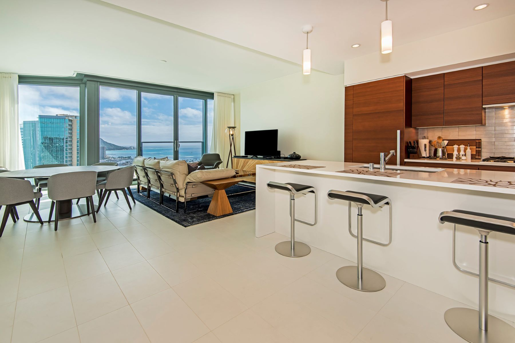 Condominium for Sale at Luxury in the Sky 1108 Auahi Street #33-E Honolulu, Hawaii 96814 United States