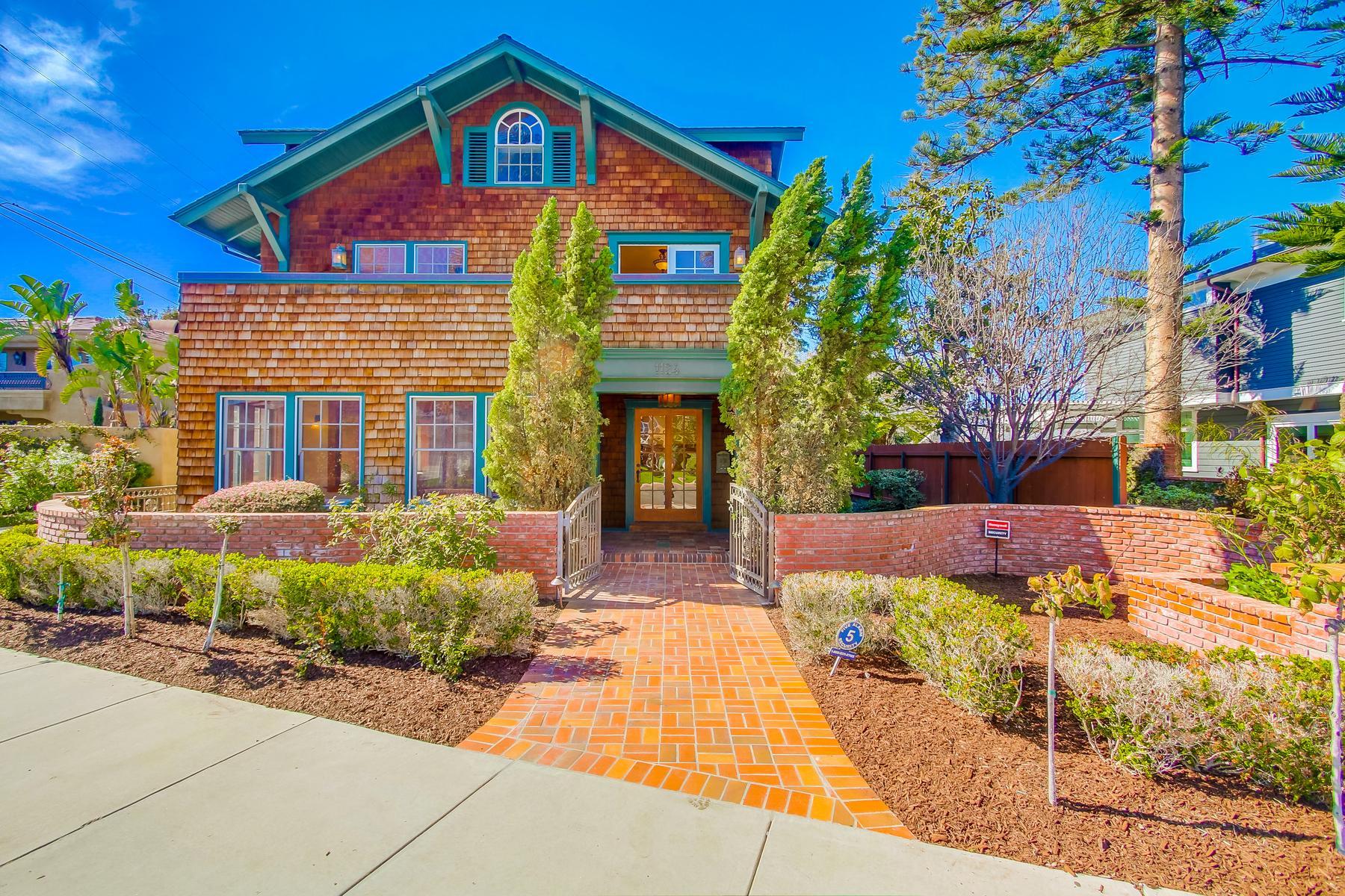 Casa Unifamiliar por un Venta en 1124 G Avenue Coronado, California, 92118 Estados Unidos