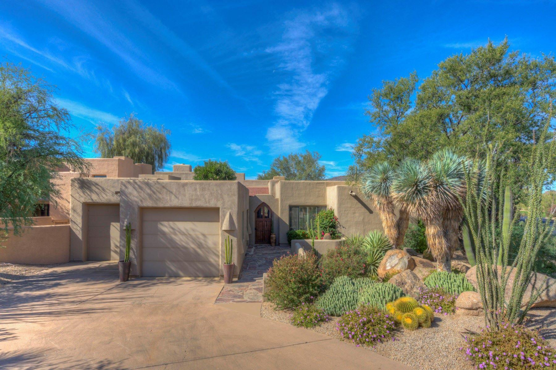 独户住宅 为 销售 在 Charming patio home with sweeping views of the first fairway 1605 N Quartz Valley Rd, 斯科茨代尔, 亚利桑那州, 85266 美国