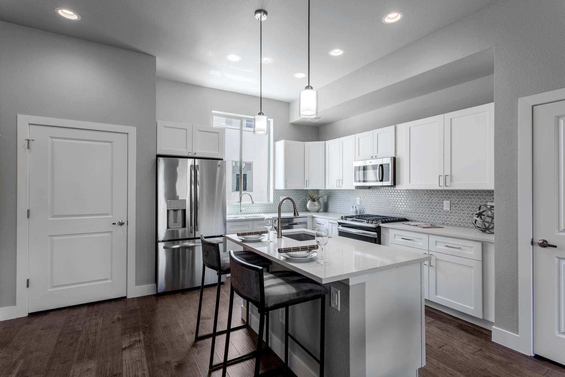 Property für Verkauf beim Observatory Townes 4727 E Iliff Avenue, Denver, Colorado 80220 Vereinigte Staaten