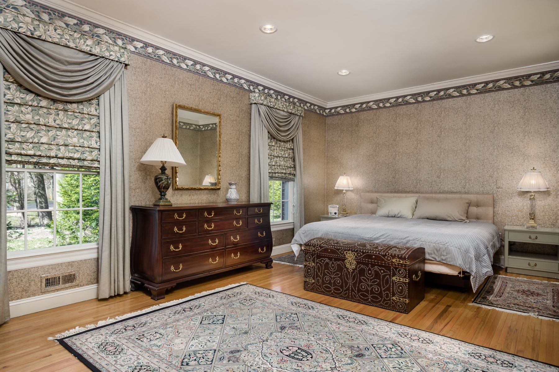 Additional photo for property listing at Calm Graciousness in Governors Lane 15 Governors Lane Princeton, New Jersey 08540 United States