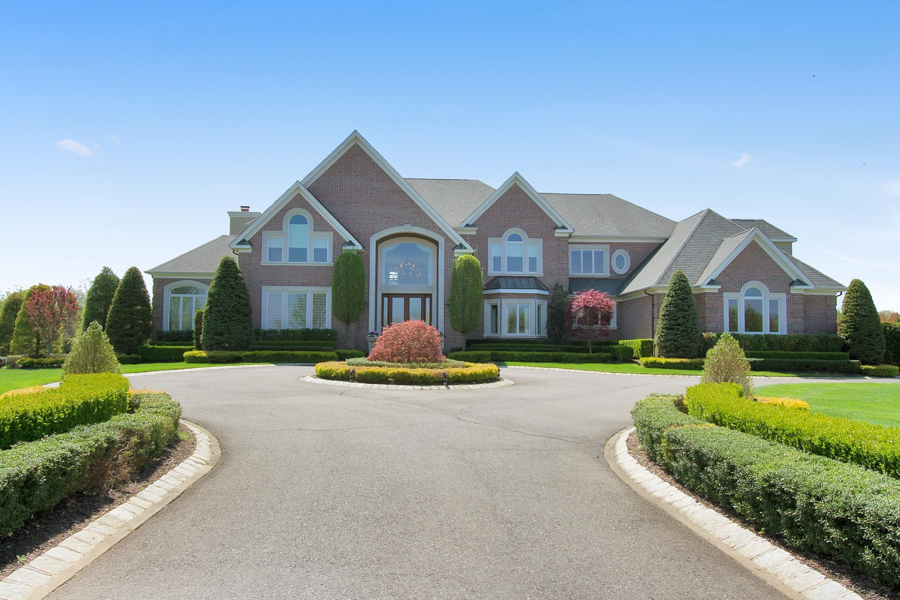 Single Family Homes for Sale at 5 Hambletonian Drive Colts Neck, New Jersey 07722 United States