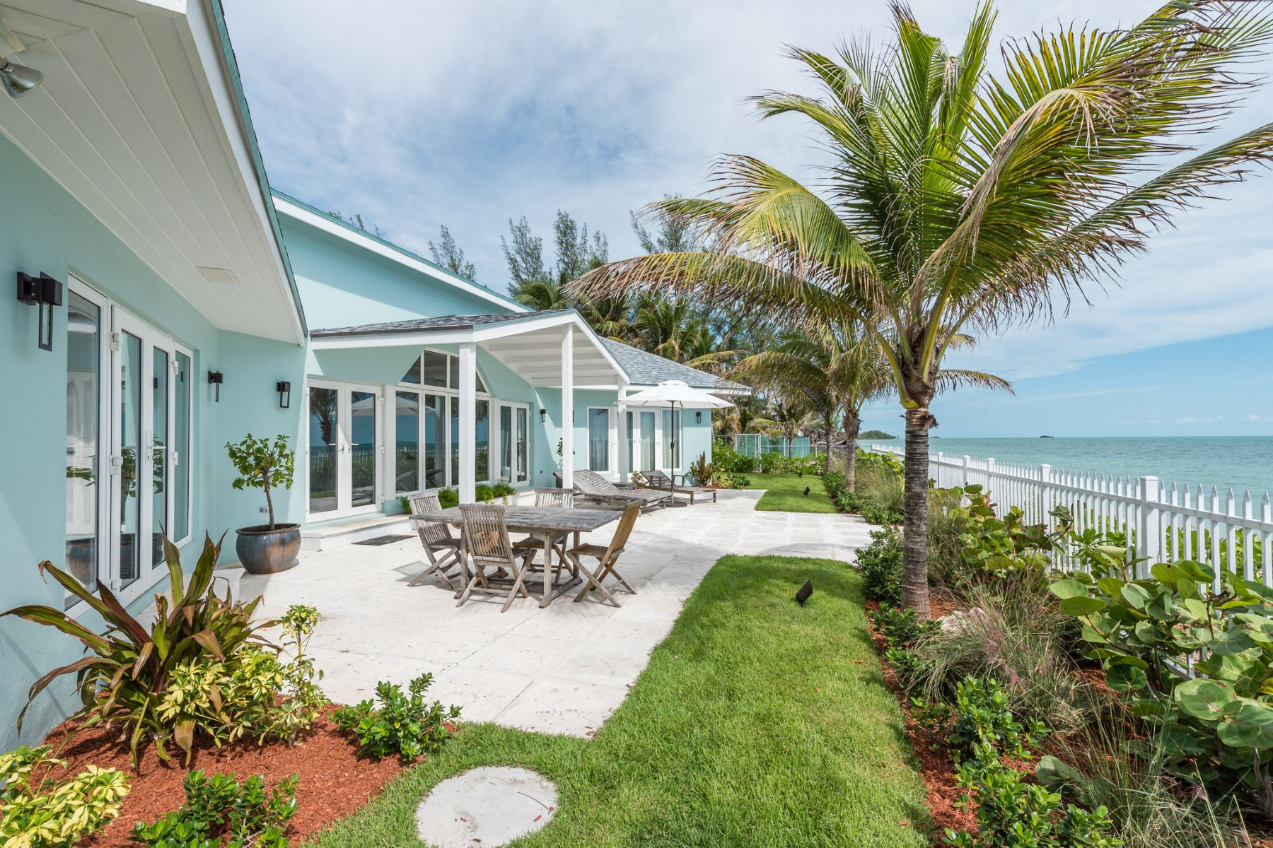 Additional photo for property listing at Sugar Plum, Coral Harbour Coral Harbour, Nassau And Paradise Island Bahamas