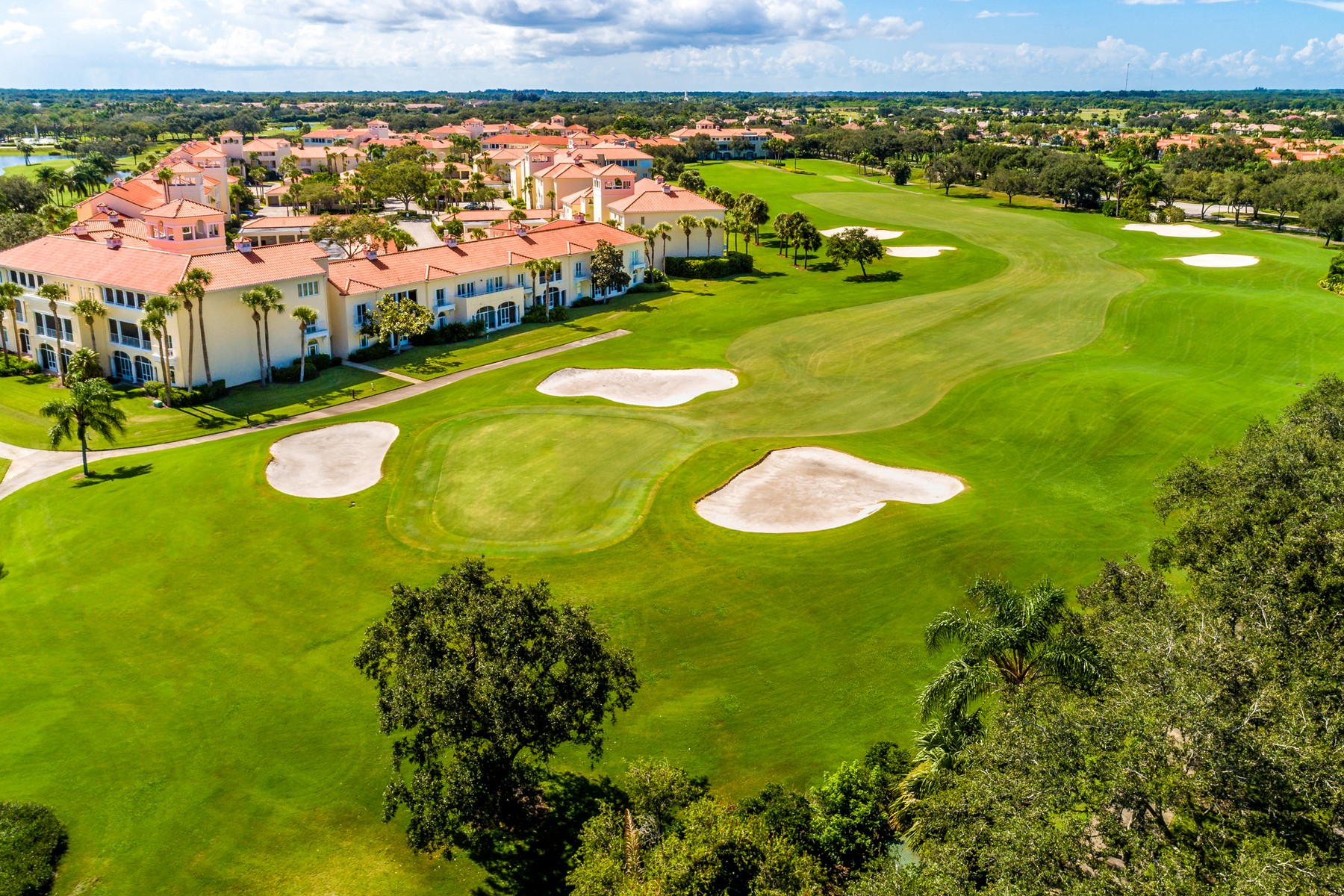 Additional photo for property listing at Luxury New Home in the Reserve at Grand Harbor 2373 Grand Harbor Reserve Square Vero Beach, Florida 32967 United States