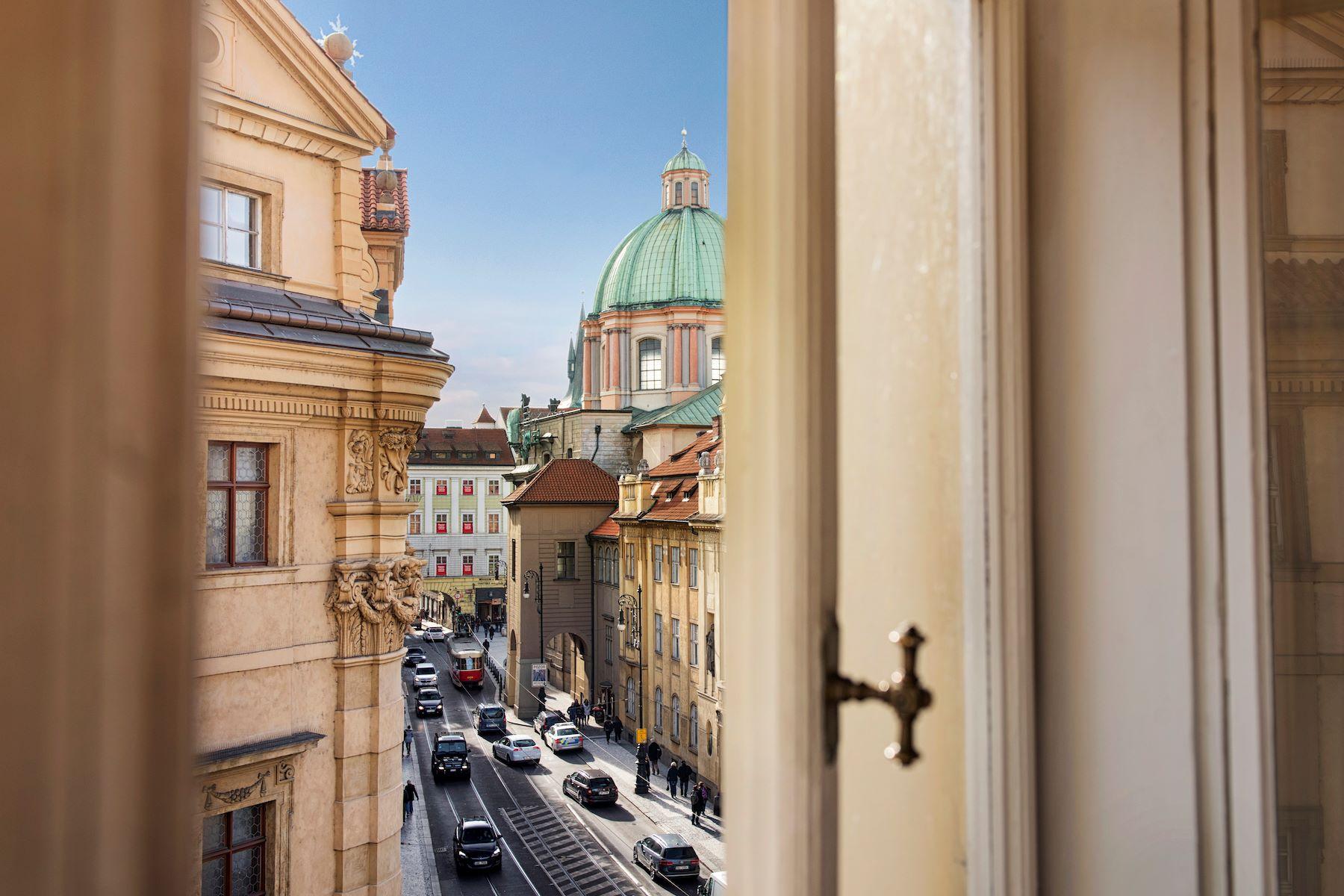 Квартира для того Продажа на Old Town apartment in an attractive city center Platnerska 7 Prague, Прага, 11000 Чешская Республика