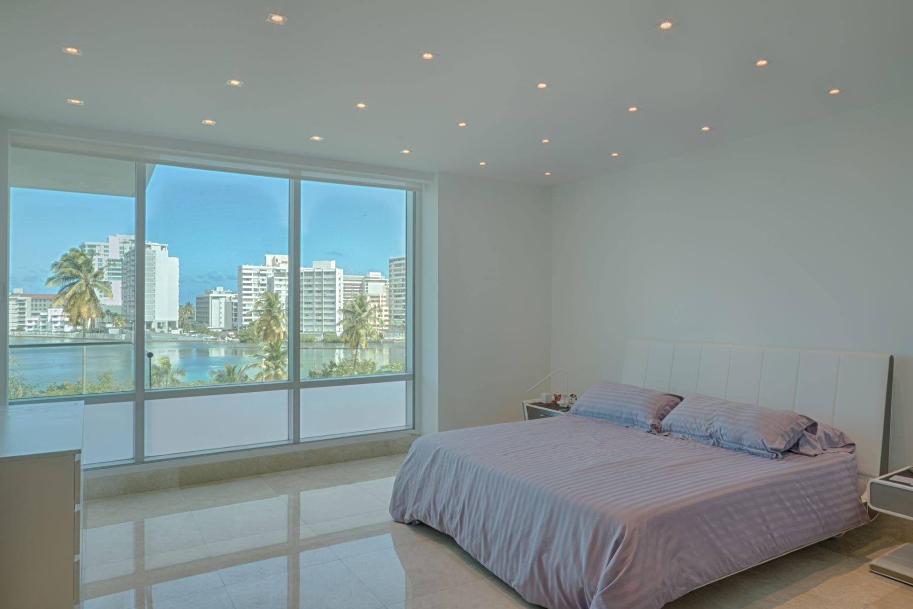 Additional photo for property listing at Third Floor Contemporary at The Cosmopolitan 555 Calle Monserrate apt 301 San Juan, Puerto Rico 00907 Puerto Rico