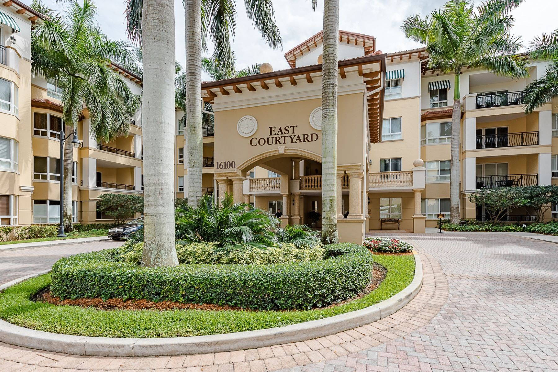 Condominium for Sale at 16100 Emerald estates Dr. # 285 16100 Emerald Estates DR. Unit 285 Weston, Florida, 33331 United States