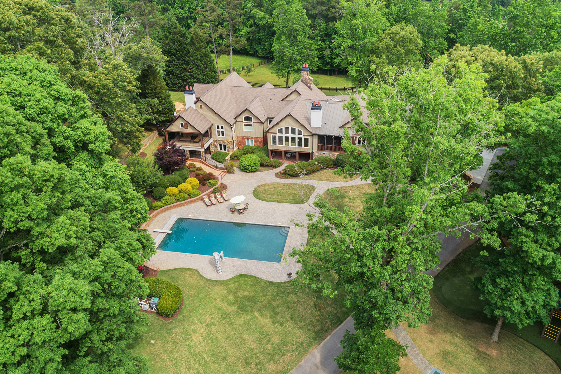 Additional photo for property listing at Stunning, Completely Renovated, Private, and Gated 25 Acre Equestrian Estate! 3961-R Sloan Mill Road Gainesville, Georgia 30507 United States