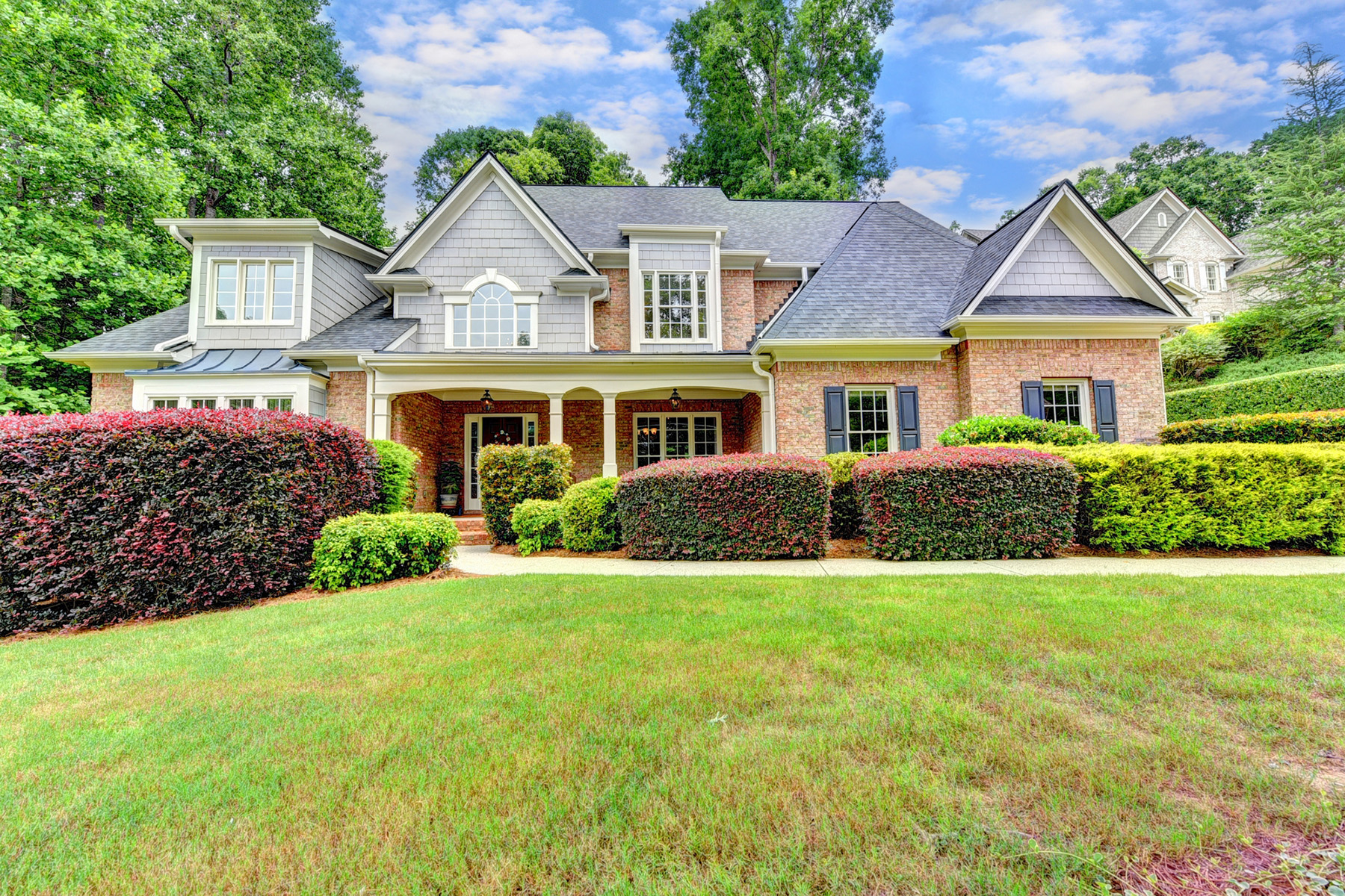 Property のために 売買 アット Meticulously Maintained Open Concept Home With Scenic Wooded Backyard 5035 Huntwood Way, Roswell, ジョージア 30075 アメリカ