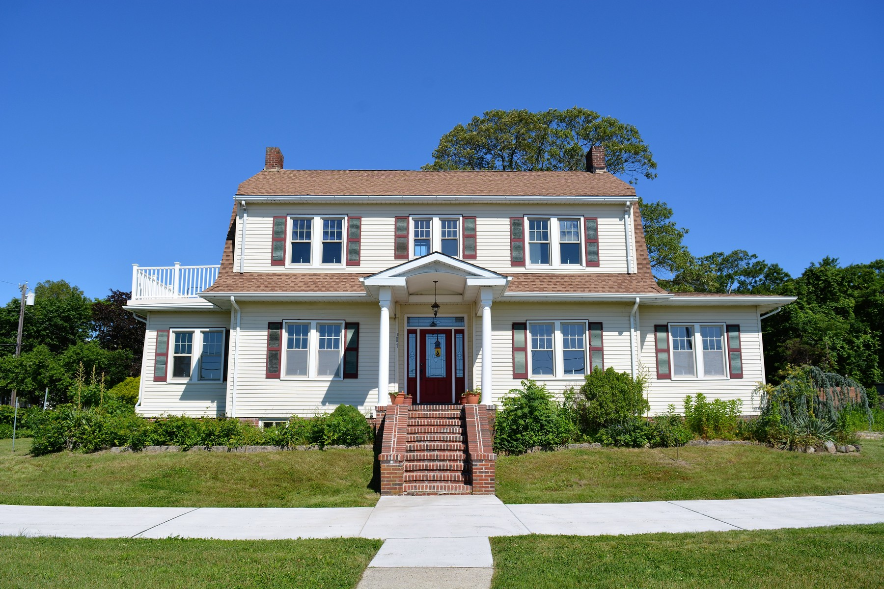 Single Family Home for Sale at Somers Point Single with Meadow Views 419 Bay Avenue Somers Point, New Jersey 08244 United States