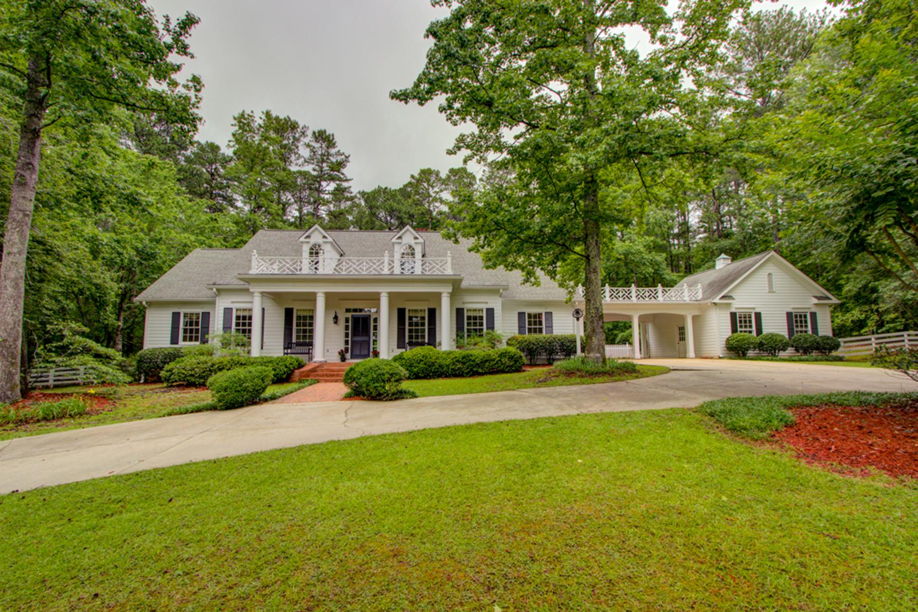 Enfamiljshus för Försäljning vid Classic Southern Home and Equestrian Farm 307 Happy Valley Circle Newnan, Georgien 30263 Usa