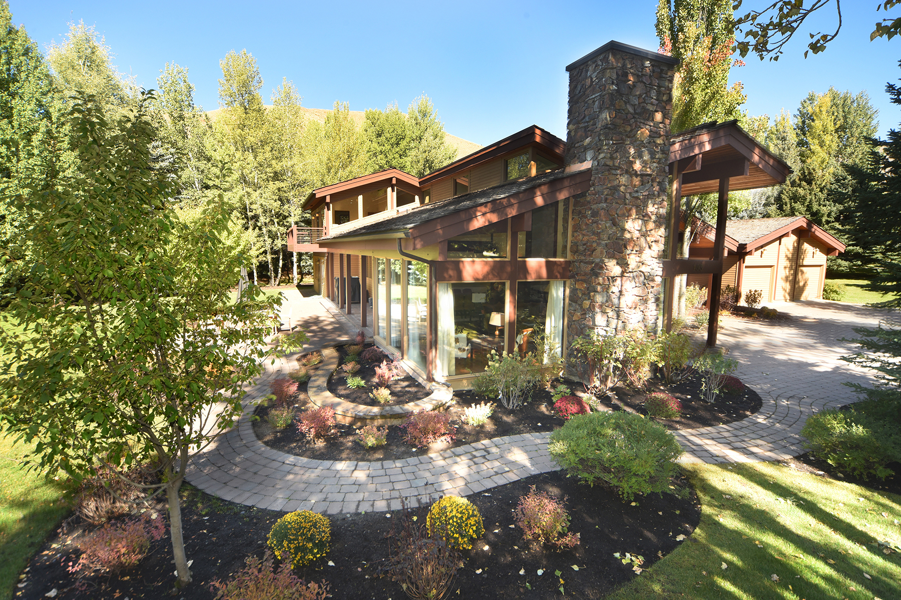 Single Family Homes pour l Vente à Classic Sun Valley 103 Proctor Mountain Rd Sun Valley, Idaho 83353 États-Unis