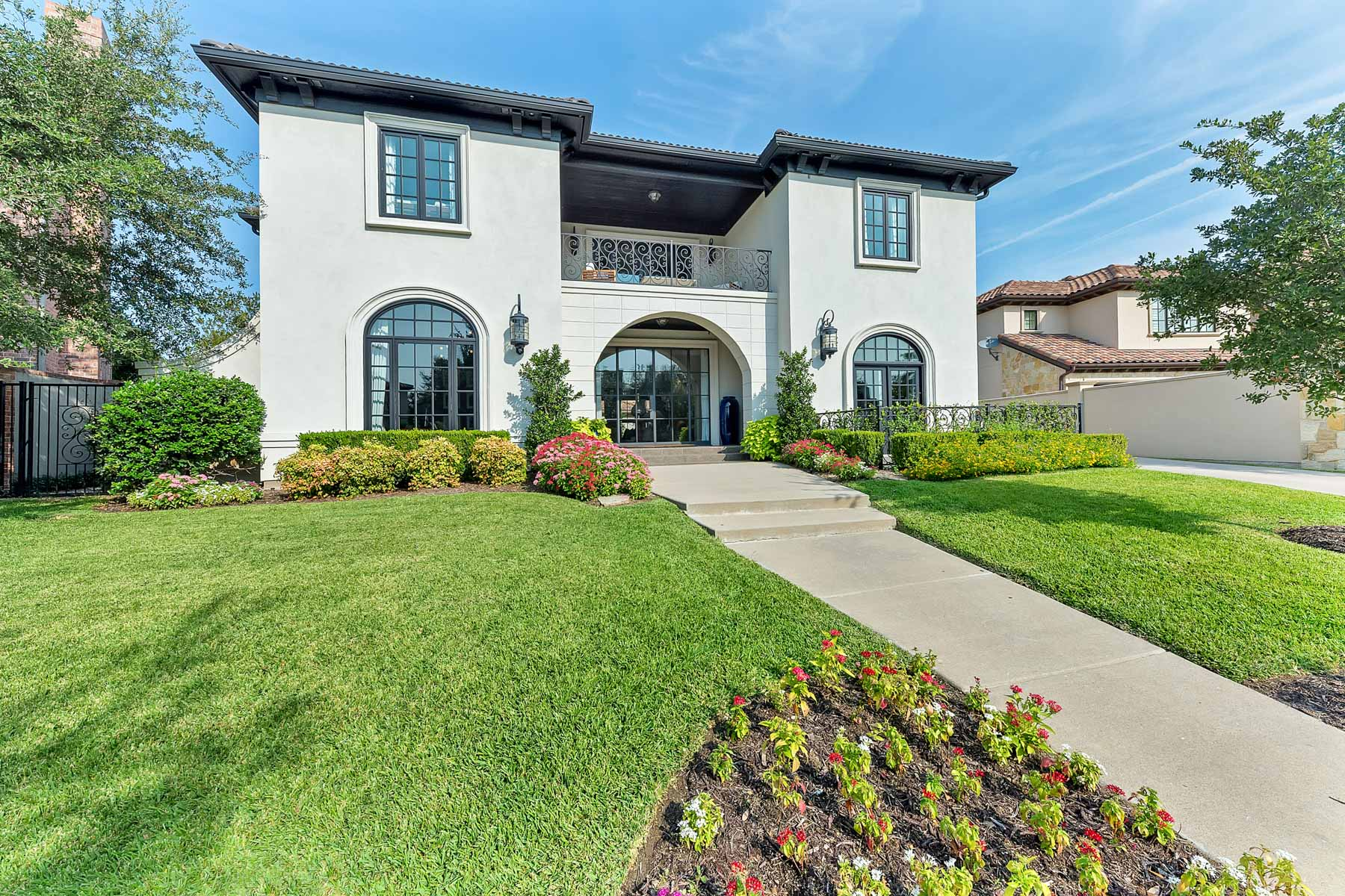 Single Family Home for Sale at 110 Monterra Circle Westworth Village, Texas, 76114 United States