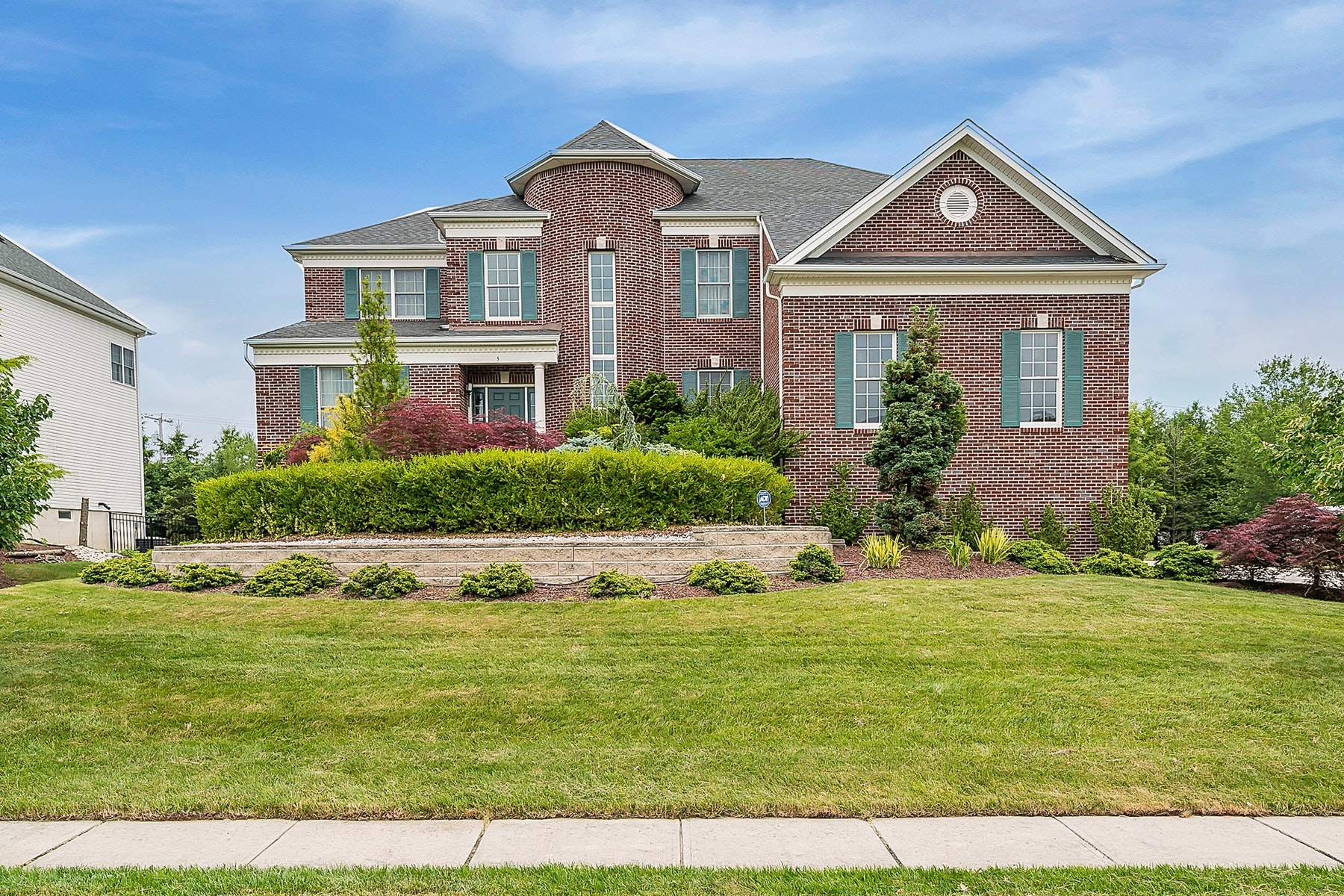 Maison unifamiliale pour l Vente à LIVE AUTHENTIC 5 Hopkinson Court, Marlboro, New Jersey 07746 États-Unis