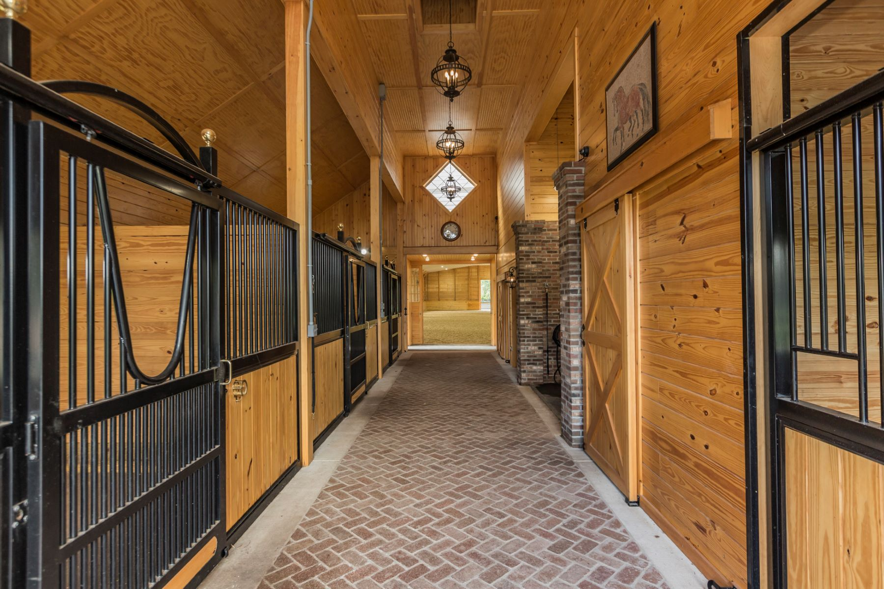 Additional photo for property listing at Extraordinary Custom-Designed Equestrian Property 36 Meadow Lark Lane, Belle Mead, Nova Jersey 08502 Estados Unidos