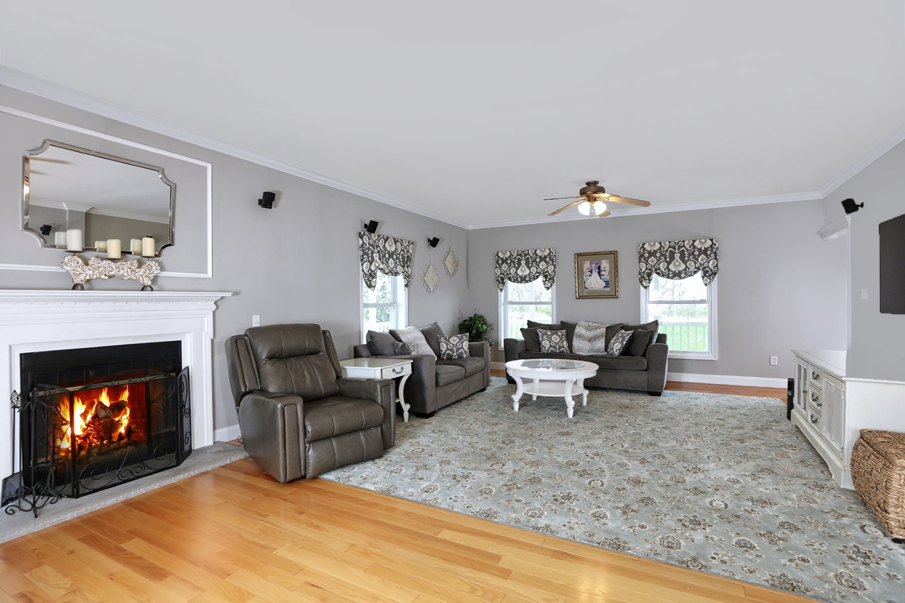 Additional photo for property listing at Modern Country Paradise 984 County Road 519, Frenchtown, New Jersey 08825 United States