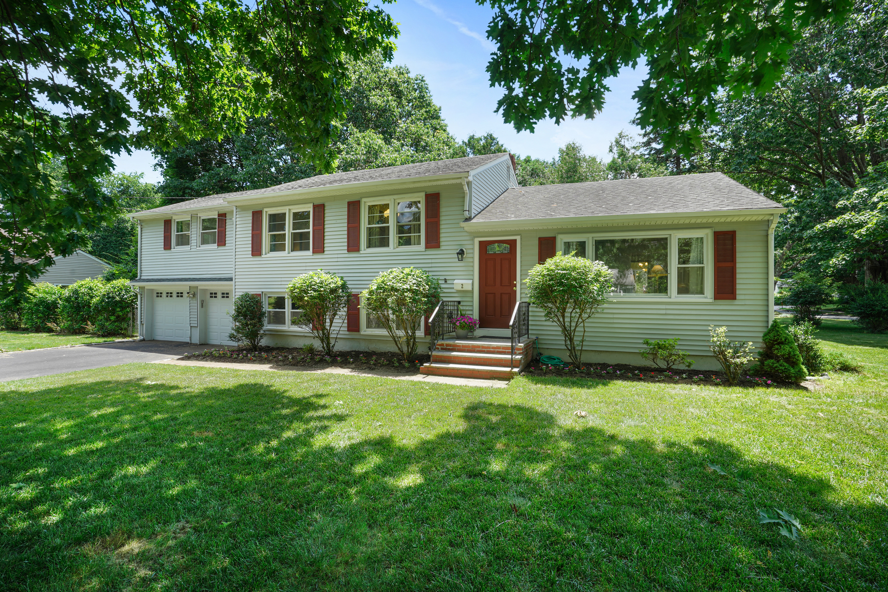 Single Family Homes for Active at Lovely Home 2 Knapp Avenue Florham Park, New Jersey 07932 United States