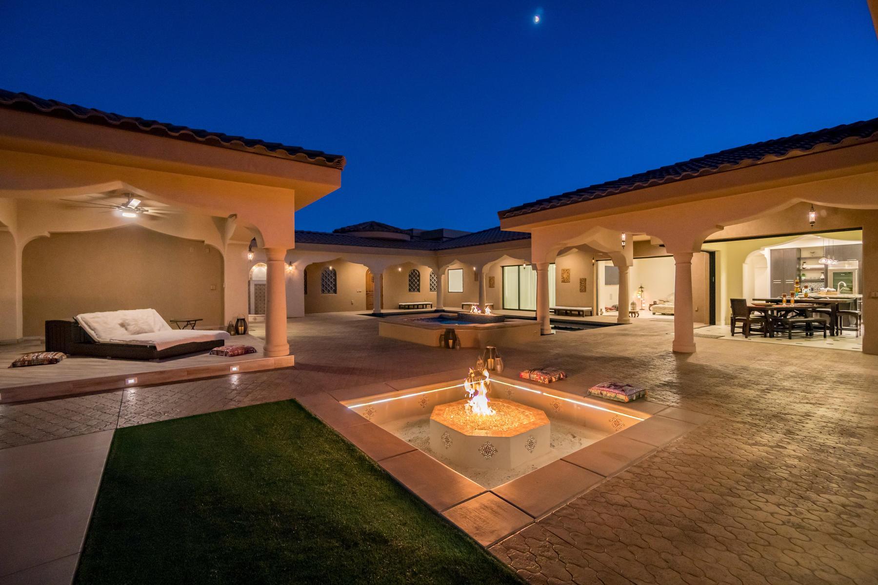 Maison unifamiliale pour l Vente à The Ultimate Family or Corporate Retreat 1747 S View Point Dr, St. George, Utah, 84790 États-Unis